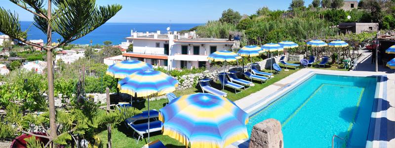 Piscina hotel villa cimmmentorosso